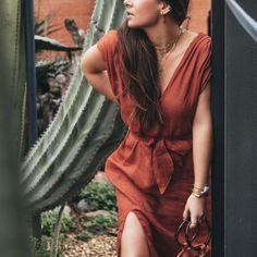 DIY pull-over col dentelle façon Sezane Diy Sac Cuir, Magazine Mode, Coachella, Sewing Patterns, Wrap Dress, Crochet, Skirts, Dresses, Diy Jupe