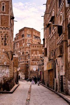 Sana, Yemen by Rod Waddington
