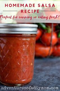 Homemade Salsa Recipe for Canning {Plus an easy trick for peeling tomatoes!} - Adventures of a DIY Mom Spicy Salsa Recipe For Canning, Canned Salsa Recipes, Fresh Salsa Recipe, Tomato Salsa Recipe, Home Canning Recipes, Canning Salsa, Fresh Tomato Recipes, Kitchen Recipes, Canning Tips