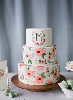 Ranunculus sketches: http://www.stylemepretty.com/2015/06/14/wedding-cakes-almost-too-pretty-to-eat/