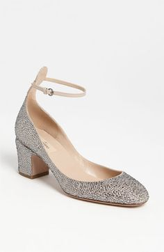 Valentino 'Tan-go' Pump: having a Valentino shoe moment, clearly