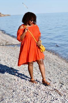 Plus Size Dresses Women S Vintage Clothing Fashion Blog Names, Plus Size Fashion Blog, Fat Girl Fashion, Curvy Fashion, Dress Fashion, Plus Size Fall Outfit, Full Figure Fashion, Orange Fashion, Urban Outfits