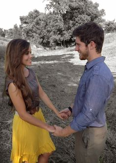 Ben Seewald and Jessa Duggar engagement photos!