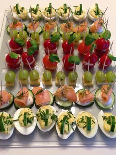 New Years Eve Celebration Canapes newyearsdinner New Years Eve Snacks, New Years Eve Menu, New Years Day Meal, New Year Menu, New Years Eve Dinner, Appetizer Buffet, Party Food Buffet, Dinner Party Menu, Party Canapes