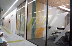 Working Bankia. Vinilos realizados en impresión digital Divider, Room, Furniture, Home Decor, Digital Prints, Offices, Vinyls, Interiors, Bedroom