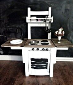 THIS is it! Wood grain table top, colorful legs for work bench -> kitchen & grill covers with velcro sides