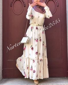 Likes, 16 Comments - Hijab and Young Fashion👗👛👠 ( . Modest Fashion Hijab, Abaya Fashion, Fashion Dresses, Dress Outfits, Iranian Women Fashion, Islamic Fashion, Muslim Fashion, Mode Abaya, Mode Hijab