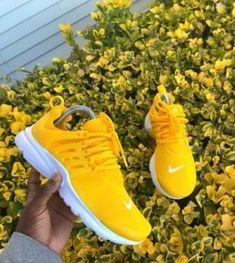 d5715bc75872 Boutique Vêtements de Sport  Amazon.fr. Chaussures AdidasChaussures ...