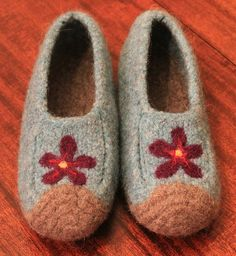 Slipper pattern called Duffers: Making lots of these for the Up North Winter