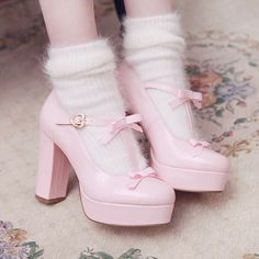 Style experts offer right up five natural new techniques to put on a hoodie without ever having looking like an angst-ridden. Kawaii Fashion, Lolita Fashion, Cute Fashion, Fashion Shoes, Fashion Outfits, Pastel Fashion, Grunge Fashion, Fashion Fashion, Fashion Trends