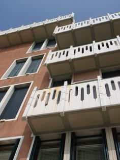 Ignazio gardella casa al parco google suche milano for Casa borsalino gardella