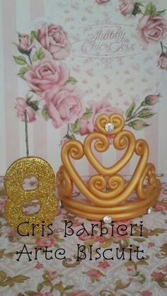 Topo de bolo princesa !!  Coroa e vela em biscuit