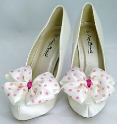 Poka dot shoe clips <3 poka dots