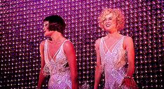 5 Best Calorie-Burning Dance Moves from Chicago! Chicago Movie, Chicago Musical, Chicago Poster, Musical Theatre, Catherine Zeta Jones, Movie Gifs, Movie Tv, Movie Costumes, Cosplay Costumes