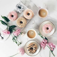 coffee, donuts, and coffee break Flat Lay Photography, Coffee Photography, Food Photography, Coffee Love, Coffee Break, Morning Coffee, Coffee Pics, Coffee Mornings, Cozy Coffee