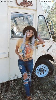 date night outfits autumn Adrette Outfits, Cowgirl Outfits, Preppy Outfits, Fall Outfits, Night Outfits, Summer Outfits, Country Fashion, Boho Fashion, Cowgirl Fashion