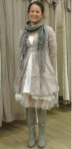 <3 if only my chinese were better and i could find and order these dresses myself...