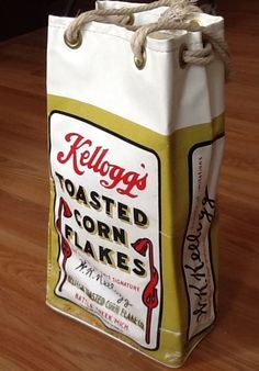 Vintage 1970 Kelloggs Toasted Corn Flakes Vinyl Tote Bag, 1910 ad, original #KELLOGGS #ebay FUN AND CUTE....GREAT BEACH BAG, soooo vintage!