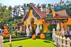 TDR Oct 2012 - Wandering through Toontown | by PeterPanFan