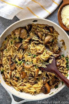 Side dish recipes 675469644098389895 - Orzo with Mushrooms, Scallions and Parmesan – A delicious pasta dish made with orzo and mushrooms in a light sauce flavored with chicken stock, marjoram,scallions, and parmesan cheese. Vegan Recipes, Cooking Recipes, Orzo Recipes, Health Food Recipes, Vegetarian Italian Recipes, Quick Pasta Recipes, Amish Recipes, Dutch Recipes, Cooking Chef