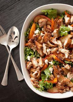 Cinnamon-Roasted Sweet Potato & Apple Salad w/ Caramel Vinaigrette Chicken. Recipe for the caramel vinaigrette chicken marinade. I Love Food, Good Food, Yummy Food, Salada Light, Sweet Potato And Apple, Cinnamon Recipes, Apple Salad, Cooking Recipes, Healthy Recipes