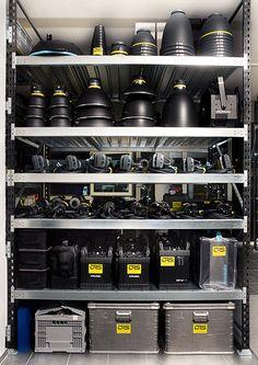 Regale mit Equipment