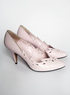 Vintage 1980s Baby Pink Laser Cut Out Pointed Toe Heels £12
