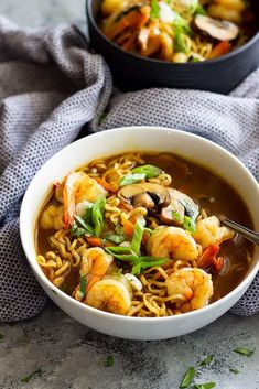 Easy Shrimp Ramen Soup is so much better than that packet of noodles! Packed with vegetables, shrimp, and full of flavor!This Easy Shrimp Ramen Soup is so much better than that packet of noodles! Packed with vegetables, shrimp, and full of flavor! Ramen Noodle Recipes, Easy Soup Recipes, Ramen Noodles, Shrimp Recipes, Cooking Recipes, Cooking Ideas, Fall Recipes, Sopa Ramen, Ramen Soup