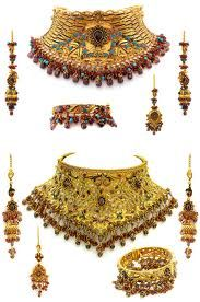 Indian Bridal Jewelry : Sets A bit about Shahji : With over 25 years of family experience in fine Indian Jewelry, a pivotal moment in the course of our family business led us to begin … Indian Bridal Jewelry Sets, Indian Bridal Makeup, Indian Jewelry, Bridal Jewellery, Bridal Beauty, Gold Jewellery, Jewlery, Indian Wedding Bride, Indian Bridal Lehenga