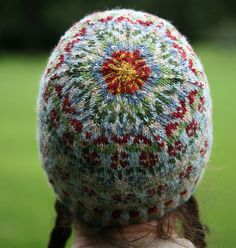 """Peerie Flooers (""""little flowers"""" in Shetland dialect) by Kate Davies, pattern available on Ravelry. Crochet Woman, Knit Crochet, Crochet Hats, Crochet Granny, Fair Isle Knitting Patterns, Fair Isle Pattern, Clothes Crafts, Sewing Clothes, Knitting Yarn"""