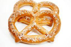 Aprende la mejor receta para hacer deliciosos pretzels en casa, para darte el gusto cuando quieras.