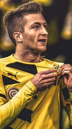 Marco Reus - My Wallpaper Best Football Players, Good Soccer Players, Football Is Life, Nike Football, Football Soccer, Germany Football Team, Germany Team, Team Wallpaper, Football Wallpaper
