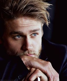 Charlie Hunnam... now that hes attractive and not a little boy in QAF UK