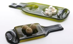 """These two beautiful """"bandeja"""" platters are an original and fun way to present nibbles and tapas in your home. The handles make them easily transportable and the recycled glass is eco-friendly. Empty Bottles, Bottles And Jars, Glass Bottles, Wine Glass, Glass Art, Wine Bottle Corks, Wine Bottle Crafts, Slumped Glass, Fused Glass"""