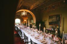 Tuscan dinner. Image rights of Lelia Scarfiotti. Flower design @larosacanina Event design and creation @chicweddingsinitaly