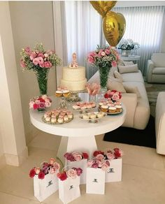 30 Trendy Ideas for diy wedding reception tables simple Mom Birthday, Birthday Parties, Festa Party, Snacks Für Party, Birthday Party Decorations, Baby Shower Themes, Holidays And Events, Event Decor, Party Planning