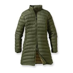 Patagonia Women's Fiona Parka  $299.00   Style No. 28355  An exceedingly feminine, urban and lightweight down coat inspired by one of our most technical alpine garments; made of recycled polyester and insulated with 800-fill-power premium European goose down.