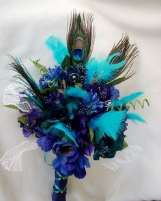LOVE all the shades together =) With Blue orchids mixed in to tie everything together <3