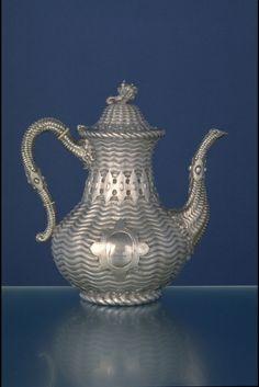 Eoff and Shepherd, Coffeepot, ca. 1860. Silver. Courtesy Yale University Art Gallery