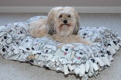 No sew dog bed with step by step instructions.