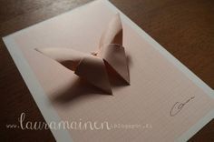 Lauramainen DIY: Butterfly origami mobile