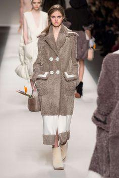 Fendi Automne/Hiver 2015, Womenswear - Défilés (#21046)