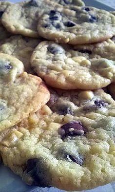 La meilleure recette de Cookies comme au subway !!! L'essayer, c'est l'adopter! 4.5/5 (55 votes), 88 Commentaires. Ingrédients: -100g de cassonade  - 60g de sucre  - 100g de beurre - 180 g de farine  - 1 oeuf  - 1cc de bicarbonate de soude  - 120 gr de chocolat noir - 1 cc d arôme vanille