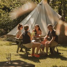 Camping Gear, Outdoor Camping, Boho Chic, Shabby Chic, Air Mattress, Travelling Tips, Glamping, Summer Fun, Tent