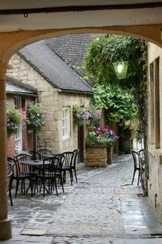 ~Chipping Campden, The Cotswolds, UK~ it's raining; guess nobody's going to stop outside for tea.