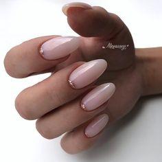 Semi-permanent varnish, false nails, patches: which manicure to choose? - My Nails Shellac Nails, Nude Nails, Nail Polish, Almond Acrylic Nails, Cute Acrylic Nails, Almond Nail Art, Milky Nails, Oval Nails, Oval Nail Art