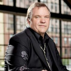 Rocker Meat Loaf came out charging in support of Mitt Romney Thursday night at a rally in Ohio.