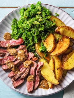 Easy steak recipe with peppercorn sauce and kale | More healthy meals on hellofresh.com