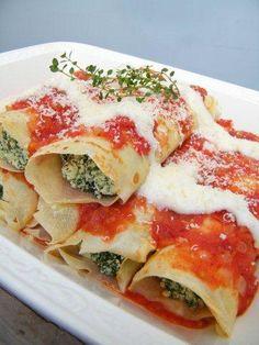 Canelones de Espinaca y Ricota (Spinach and Ricotta Cannelloni) - Hispanic Kitchen