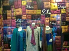 Retail Display Ideas | Gallery - Category: Ideas - Picture: A window display at a shop in New ...